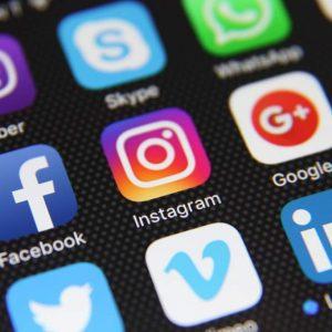 """عطل """"مفاجئ"""" يصيب خدمات مواقع التواصل الاجتماعي"""