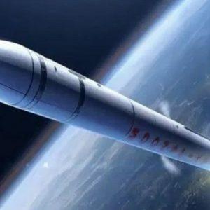 صاروخ أمريكي يخرج عن السيطرة ويعيد سيناريو الصاروخ الصيني